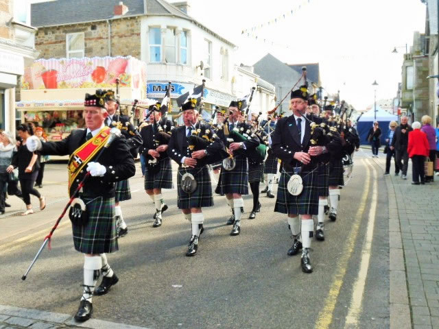 Kernow Pipes & Drums at Trevithick Day 2016