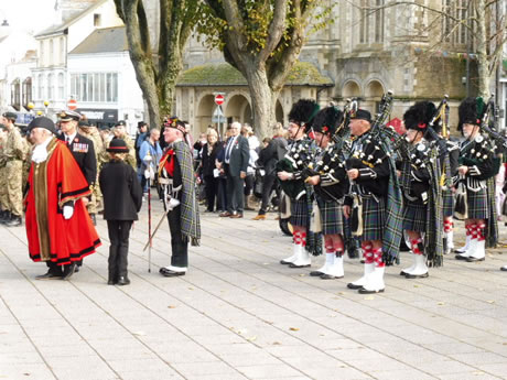 kernow pipes and drums at falmouth remembrance parade 2016