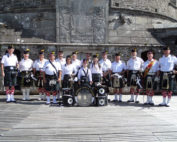kernow pipes and drums at st mawes regatta