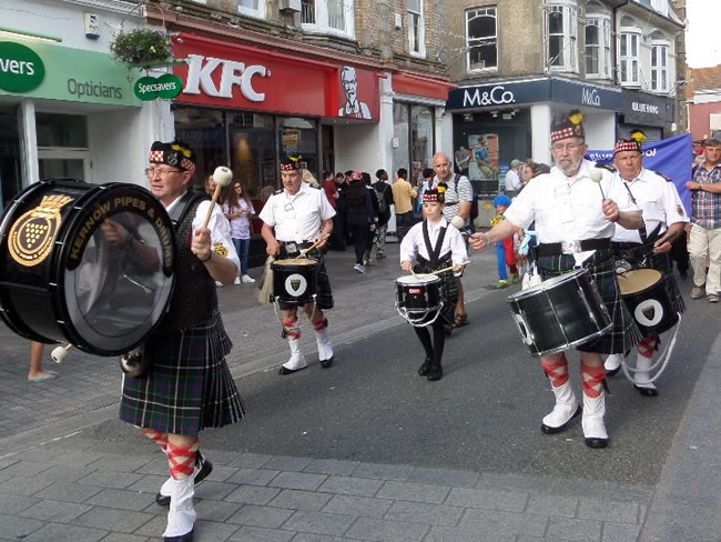 kernel pipes and drums at Newquay carnival 2015