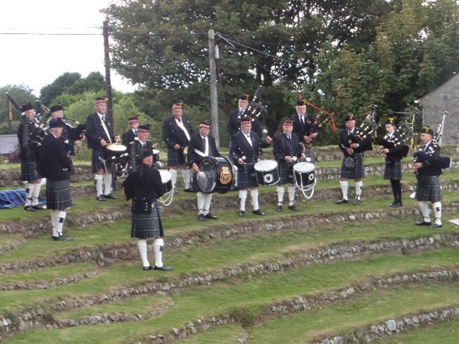kernow pipes and drums at keith and miranda's wedding 2015
