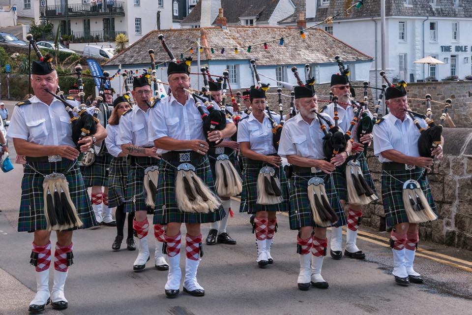 kernow pipes and drums at st mawes boat show 2018