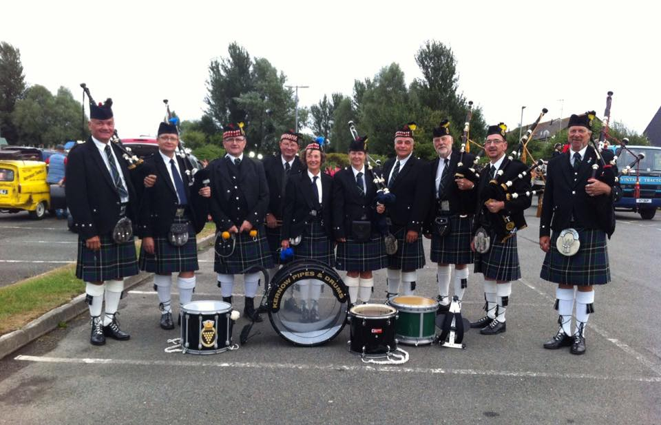 Kernow pipes and drums at wadebridge carnival 2018