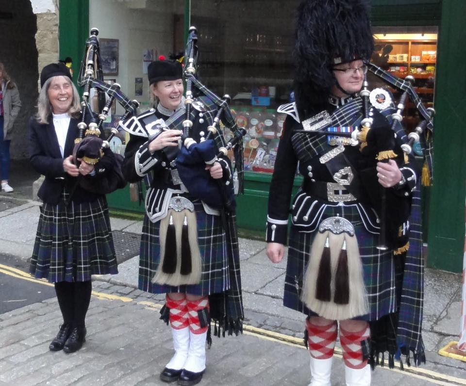 miranda, emma and dave of kernow pipes and drums