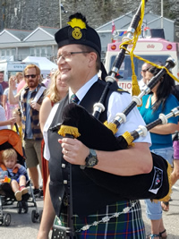 dave maitland, piper with kernow pipes and drums, cornwall